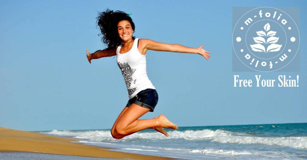 m-folia skincare woman beach